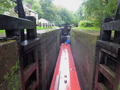 P1480824.    Barge lowered at  Lock No1, Marple.  (Peak Forest Canal)   September 2019 (dave_attrill) Tags: barge marple peakforest canal towpath peakdistrict nationalpark cheshire cheshirering oldknow september 2019 thomastelford