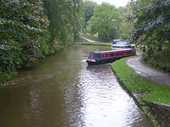 Incoming barge awaiting at  Lock No1, Marple.   (Peak Forest Canal)   September 2019 (dave_attrill) Tags: barge marple peakforest canal towpath peakdistrict nationalpark cheshire cheshirering oldknow september 2019 thomastelford