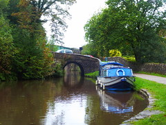 Bottom Lock and bridge, Marple   (Peak Forest Canal)   September 2019 (dave_attrill) Tags: barge bridge bottomlock marple peakforest canal towpath peakdistrict nationalpark cheshire cheshirering oldknow september 2019 thomastelford