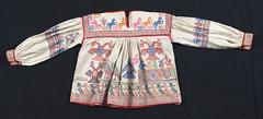 Blusa Blouse Mexico Huichol Jalisco Textiles (Teyacapan) Tags: blouse mexico jalisco wixarika huichol santacatarina museum clothing ropa