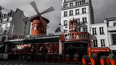 Moulin rouge- Paris (Bruno Casals) Tags: moulinrouge moulin rouge paris pigale sony dscrx100 red