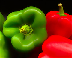 Opposites (Timothy Valentine) Tags: 0919 pepper red colorcontrast green tomarket 2019 large shopping norwell massachusetts unitedstatesofamerica week392019 startingtuesdayseptember242019 52weeksthe2019edition