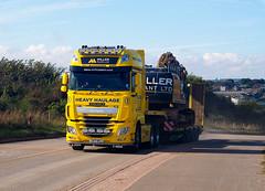 Kicking up dust. (HivizPhotography) Tags: daf xf510 6x4 miller plant ltd scotland aberdeen aberdeenshire cat 329e truck trucks heavyhaulage stgo cat2 lorry trailer heavy metal big iron yellow dust