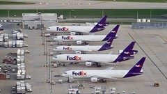 FedEx at ORD (Laurence's Pictures) Tags: fedex plane aircraft airplane aeroplane transportation cargo federalexpress