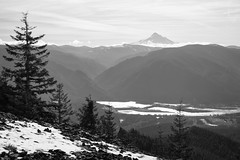 View Across the Columbia River (Scott Withers Photography) Tags: tablemountain columbiarivergorge mthood oregon
