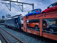 189 995 met STVA-autotrein @ Eindhoven (Avinash Chotkan) Tags: es64f4 mrcedispolok mrce thenetherlands trains cargo cars stva 189995 189095 br189 siemens
