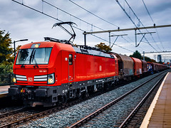 DB Cargo 193 307 met gemengde lading @ Eindhoven (Avinash Chotkan) Tags: siemens vectron db dbc br193 trains thenetherlands cargo 193307