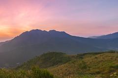 _J5K3306-20.1.0919.A Mú Sung.Bát Xát.Lào Cai (hoanglongphoto) Tags: natue thiênnhiên landscape asian scenery asia vietnam northernvietnam northvietnam northwestvietnam sunset sky mountain nature canon redsky hdr phongcảnh núi hoànghôn làocai vietnamlandscape tâybắc sườnnúi vietnamscenery flanksmountain bầutrời canoneos1dsmarkiii bátxát canonef2470mmf28liiusm amúsung bầutrờimàuđỏ hoànghônvùngnúi vietnammountainouslandscape hoànghôntâybắc