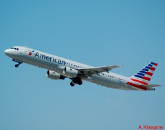 AMERICAN AIRLINES A321 N180US (Adrian.Kissane) Tags: losangeles usa aviation la flight flying departing sky outdoors airline airliner jet plane aircraft airbus aeroplane lax n180us 1525 1942016 a321 americanal