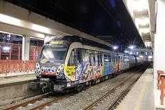 ERT-203-Sorrento-Italy-19-9-2019 (D1021) Tags: ert203 emu metergauge sorrento sorrentostation italy italianrailway d300 nikond300 nightshot
