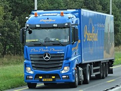 Mercedes-Benz Actros MP4 streamspace from Polderbrood Biddinghuizen Holland. (capelleaandenijssel) Tags: 15bnd8 truck trailer lorry camion lkw netherlands nl potatoes