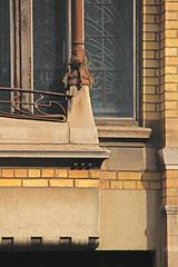 BRUXELLES - Art nouveau  / Arch. Franz TILLEY (1872-1929) (Julio Herrera Ibanez) Tags: 1050bruxelles belgique bruxelles artnouveau ixelles balcon façade fenêtres détails boîteauxlettres ferronnerie mosaiques archfranztilley