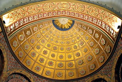 Beaujeu (69) : église Saint-Nicolas (odile.cognard.guinot) Tags: quelestcelieu 69 rhône rhônealpes auvergnerhônealpes beaujeu zacchéo peinturemurale culdefour abside