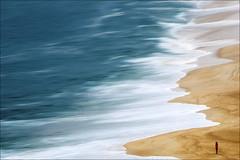 F_MG_3725-2-Canon 6DII-Tamron 28-300mm-May Lee 廖藹淳 (May-margy) Tags: seascape 人像 海浪 街拍 海景 沙灘 大西洋 maymargy 天馬行空鏡頭的異想世界 線條造型與光影 心象意象與影像 portrait beach waves atlanticocean 葡萄牙 taiwanphotographer 台灣攝影師 streetviewphotography mylensandmyimagination naturalcoincidencethrumylens linesformsandlightandshadow fmg37252 portugal tamron28300mm maylee廖藹淳 canon6dii motions 脈動
