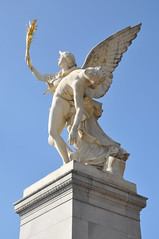 Statue On Schlossbrücke (Ryan Hadley) Tags: schlosbrücke schlossbrücke castlebridge bridge museumisland museumsinsel berlin germany europe worldheritagesite statue sculpture art schinkel