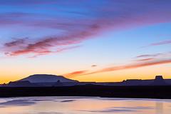 Sunrise Hues (James Marvin Phelps) Tags: arizona sunrisehues sunrisecolor sunrise lakepowell glencanyonnationalrecreationarea jamesmarvinphelps jamesmarvinphelpsphotography