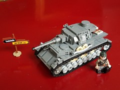 Panzer 4 updated (Fritz&FroggiesBrick) Tags: panzer panzerwaffe 75mm tank weermacht lego ww2 mechanized warfare dead