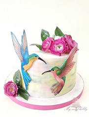 Hummingbirds (bennynna) Tags: cakedecorating sugarart art cakeart cakedecoration cakedesign cake airbrushpainted airbrushed airbrushing airbrush