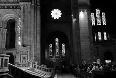 Basilique du Sacré-Cœur (kiwi photo lover) Tags: france paris bw buttemontmarte romancatholic religion basilica church sacredheartofjesus christian beautiful ancientromanarchitecture prayer worship solitude iconiclandmark