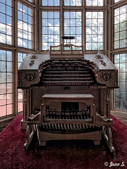 ... (Jean S..) Tags: music organ window castle house carpet red blue white old ancient