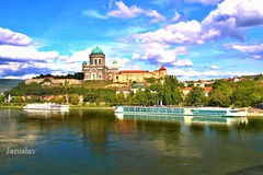 Esztergom, Hungary (Jaroslav Kuhtreiber) Tags: hungary madarsko esztergom ostrihom eu európa evropa tamron canon eos 700d obloha oblaky mraky rieka dunaj donau blue national stad city mesto gorod sky outside nature suntes tree clouds landscape trees bridge house