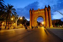 Arc de Triomf in Barcelona, Spain (` Toshio ') Tags: toshio barcelona spain europe spanish gate triumphalarch arch arcdetriomf evening architecture palmtree european europeanunion people fujixt2 xt2