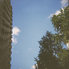 Sky Building (Tom Ipri) Tags: philadelphia mediumformat philly dianaf shotonfilm filmphotography filmisnotdead 120film