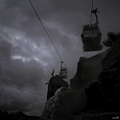 Où va la nuit, le rêve y va. (Un jour en France) Tags: étrange strange carré ciel monochrome canonef1635mmf28liiusm canoneos6dmarkii noiretblancfrance noiretblanc