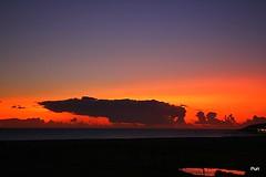 Lago dourado!! (puri_) Tags: sunset praia areia mar água céu nuvens lago reflexos dourados