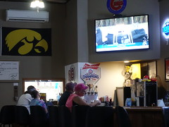 B's Sports Bar, Victor Iowa 9-18-19 02 (anothertom) Tags: iowa victor victoriowa restaurant bargrill bssportsbar local hawkeyes iowateam people patrons 2019 sonyrx100v