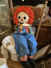 raggedy ann doll september 2019 (timp37) Tags: doll raggedy anne ann toy 2019 september orland park antique store illinois