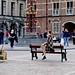 Op het bankje van het Binnenhof
