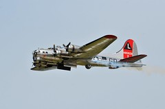 """B-17G Flying Fortress, U. S. Army Air Force (44-85829), """"Yankee Lady,"""" Minnesota, Duluth Air Show 2019 (EC Leatherberry) Tags: b17flyingfortress aircraft military bomberaircraft usarmyairforce boeing yankeelady minnesota duluthairshow2019 stlouiscounty duluthminnesota"""