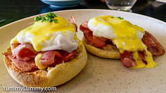 U&Co Eggs Benedict with Bacon (garydlum) Tags: autoimport bacon eggs eggsbenedict canberra australiancapitalterritory australia