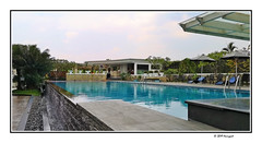 pool (harrypwt) Tags: harrypwt smartphone huaweip20pro p20pro bandung indonesia city borders framed reflections blue