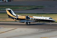 N990EA Gulfstream G-IV (SamCom) Tags: kdal lovefield dal n990ea gulfstream giv