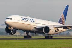N77014 Boeing 777-224(ER) United Airlines (Andreas Eriksson - VstPic) Tags: n77014 boeing 777224er united airlines 20 from houston former petermax special colours nov 1999 jan 2008