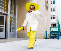 The New Yorkers - Yellow man (François Escriva) Tags: street streetphotography us usa nyc ny new york people candid olympus omd photo rue light man colors sidewalk manhattan yellow style hat umbrella sunglasses green subway