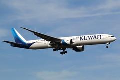 Kuwait Airways | B777-300 | 9K-AOJ | FRA | 22.09.209 (Norbert.Schmidt) Tags: kuwaitairways frankfurt boeing fra b777 frankfurtairport b777300 9kaoj kuwait