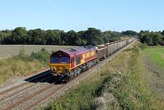 66025 Woodborough (CD Sansome) Tags: woodborough berks hants train trains db schenker cargo mendip rail ews english welsh scottish railway 66 66025 shed 6c58 oxford banbury road whatley quarry