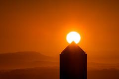 (Laetitia.p_lyon) Tags: fujifilmxt2 lyon leverdusoleil sunrise crayon soleil sun