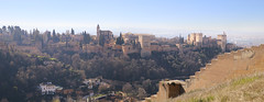 Magnificent view over Alhambra from Sacromonte (B℮n) Tags: iglesiadelavirgendelasangustias spain spanje andalucia andalusia alhambra unesco world heritage granada hilltop palace fortress walls moorish cathedral albaicin mountains snow viewpoint pool swimming church ourladyofsorrows rooftop werelderfgoed nasriddynasty history fountains orchard gardens royalpalaces crownjewel tourist holiday travel barcelócarmengranada hotel islamic architecture arabflavoured street life monumentalchurches tapas bars 738m parroquiadelsalvador parishofelsalvador albaicín sacromonte abadíadelsacromonte ermitadesanmiguelalto wall 14thcenturywall peaceful 50faves topf50