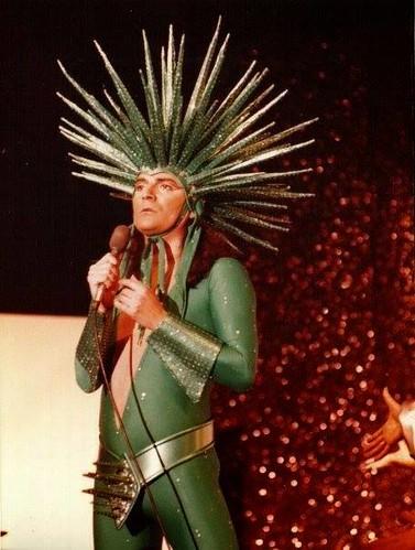 Renato Zero 🔺 #cantautore #glam #rock #popolare #renatofiacchini 🎶 #ballerino 🎥#elettritv💻📲 #Zeroilfolle #renatozero #webtv #triangolo 🎻 #musicaoriginale #70S #webtvmusicale #arte #canalemusica