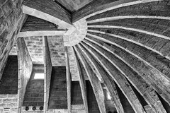 L'ingegno! (drugodragodiego) Tags: barcelona catalunya spain gaudì architecture art blackandwhite blackwhite bw biancoenero pentax pentaxk1 k1 pentaxdfa2470mmf28 hdpentaxdfa2470mmf28edsdmwr