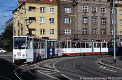 Europa, Deutschland, Sachsen, Zwickau, Schlachthofstraße Ecke Leipziger Straße (Bernhard Kußmagk) Tags: zwickau schlachthofstrase europa europe meterspur schmalspur 1000mm sachsen metregauge strasenbahn tram tramway streetcar trolley tramm tranvía villamos tramvia sporvogn tramvaj spårvagn trikk tramvai tranvia bonde elétrico tramvay raitioliikenne sporvei spårväg трамвай τραμ 路面電車 노면전차 有軌電車 电车 kusmagk kussmagk bernhardkusmagk bernhardkussmagk deutschland germany allemagne tyskland alemania germania duitsland alemanha almanya niemcy saksa saksamaa nemecko jerman γερμανία németország njemačka ドイツ 독일 германия 德国 німеччина 德國 doppeltraktion tatra leipzigerstrase gleisdreieck