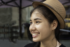 Street portrait, Bangkok (jonasfj) Tags: nikond750 nikon d750 50mm normallens 5014d nikkor bangkok thailand asia streetportrait southeastasia girl woman smile street hat fashion siam