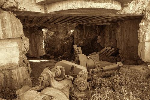 Longues-sur-Mer Battery Rubble