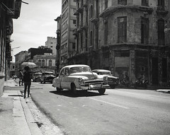 Streets of Havana - Cuba (IV2K) Tags: havana habana lahabana cuba cuban cubano mamiya mamiya7 mamiya7ii mediumformat 120 120film blackandwhite bw trix kodaktrix kodakfilm film street grain habanavieja centrohavana sanlazaro