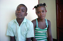 Enfants, Haïti (Roland de Gouvenain) Tags: haïti haiti enfants children girl garçon fille