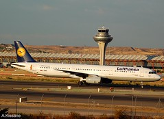 LUFTHANSA A321 D-AIRY (Adrian.Kissane) Tags: airline airliner aircraft airbus aeroplane jet plane german spain ramp taxing airport sky outdoors 992014 901 a321 dairy madrid lufthansa
